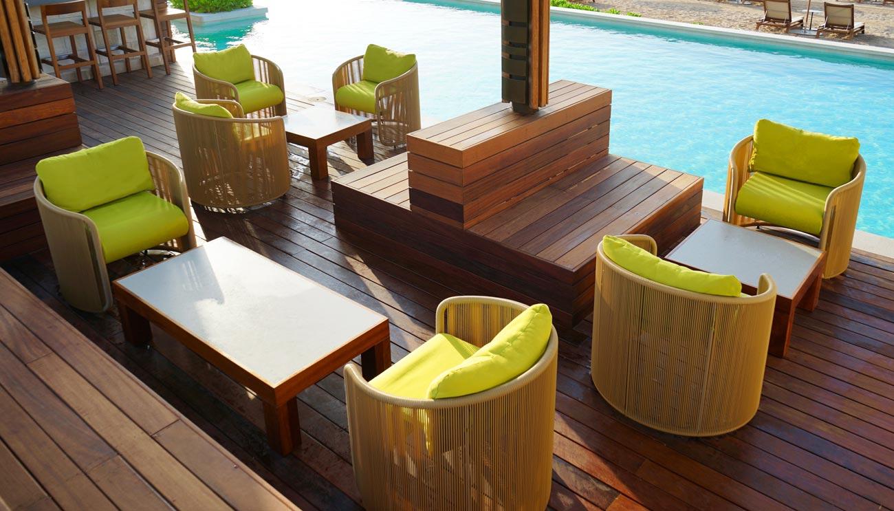 Outdoormöbel. Möbel für den Außenbereich